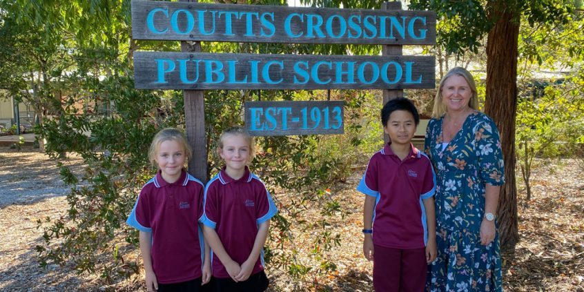 Coutts Crossing principal Michelle Dalgleish with students who received Back To School vouchers through FRRR's Bushfire Response program